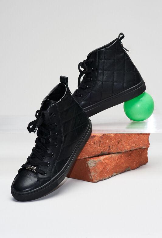 ARIAH19 : Chaussures couleur B001