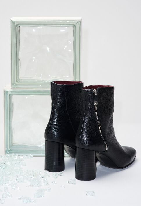 AVRILH19 : Shoes color BLACK